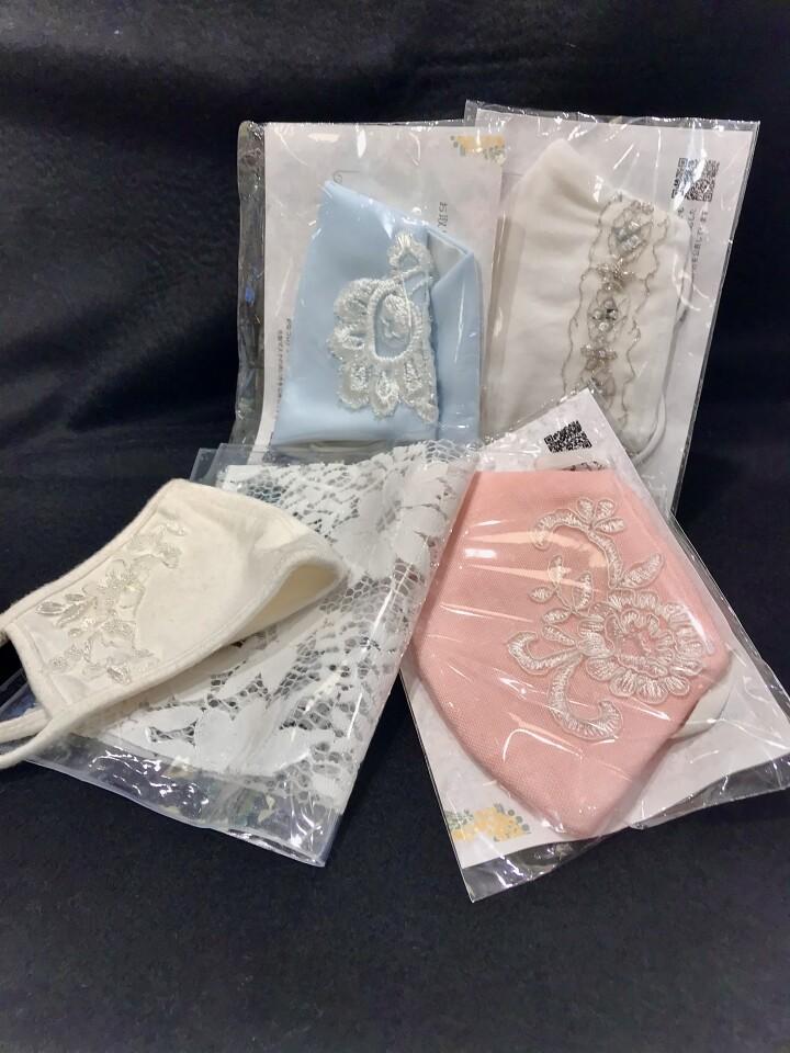マスク 各種 ¥2,090(税込) マスクケース ¥1,210(税込)